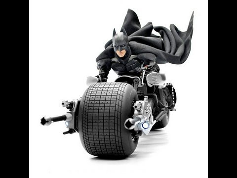 The Dark Knight Hot Toys Bat-Pod 1/6 Scale Movie Masterpiece Collectible Vehicle Review